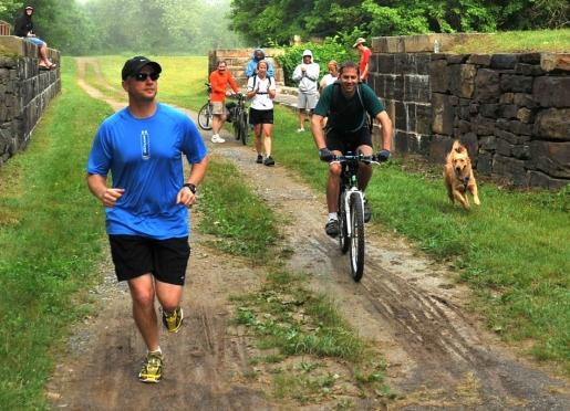 runners-on-trail-near-canal.jpg